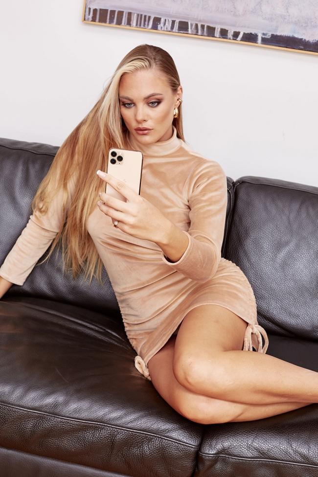 Φόρεμα Velvet με Σούρες